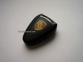 Флешка в виде копии ключа Porsche